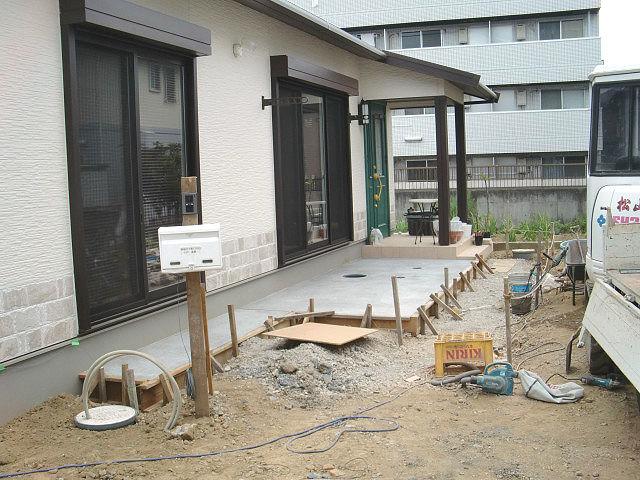 稲城市 矢野口 O様邸 ウッドデッキ施工中写真