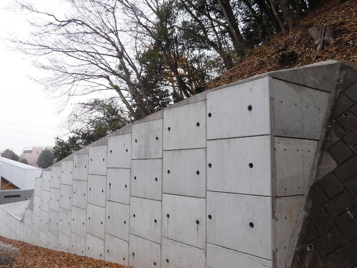 私立校 土留石改修工事完成